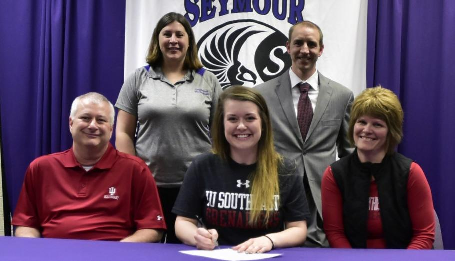 Hannah Sipe Signs With IU Southeast Volleyball